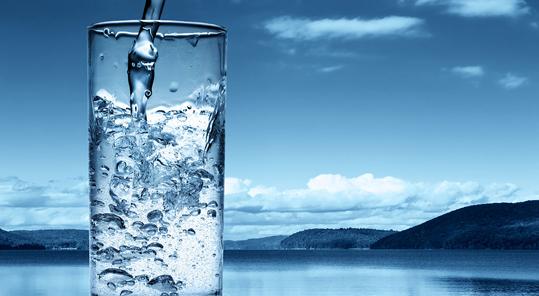 تهیه آب اشامیدنی ضدعفونی کننده در منزل!